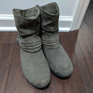 Sz 8 Brown ankle boots